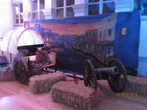 TOWN SCENE BACKDROP WITH CART
