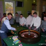 FUN CASINOS CROUPIER WITH ROULETTE